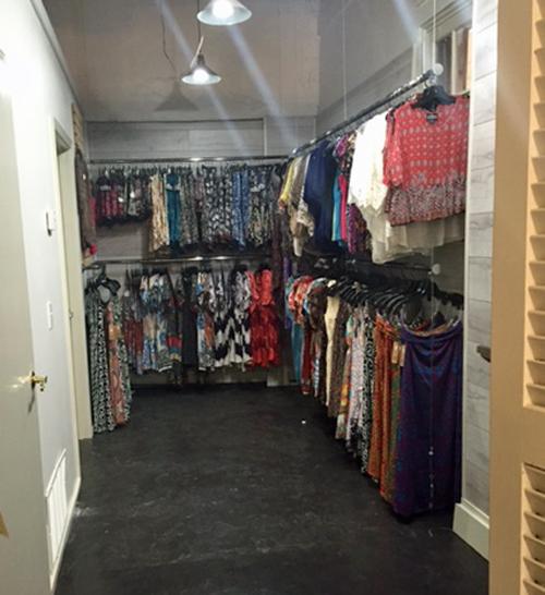 tres jolie backroom